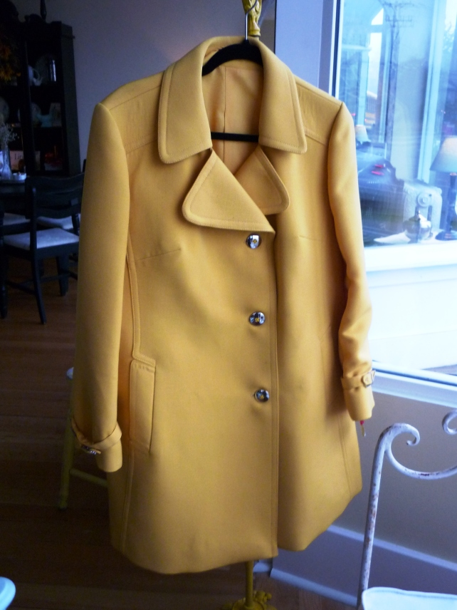 This butter yellow coat caught my eye when I found it and I haven't been able to look away since!  The deatils on it are amazing, this is one you'll wear for years and years!