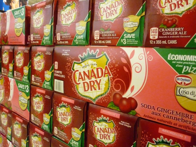 One of our favourite holiday special things: cranberry gingerale!!!
