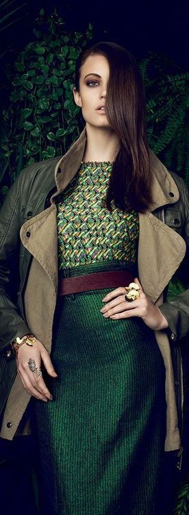 Green and brown outfit: so earthy glam!