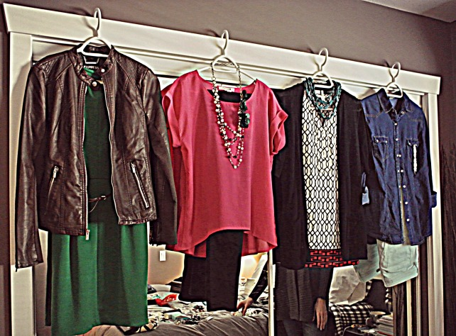 We've gay a vibrant green and brown leather jacket combo...A pink top and blingy necklace with black skinnies...a graphic blouse, cardi and blue jeans...and a denim top, mint jeans and BLING.