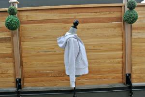 sc white hoodie